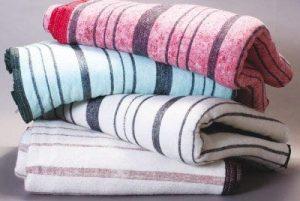 frazada de lana y acrilico rayada 2 capas